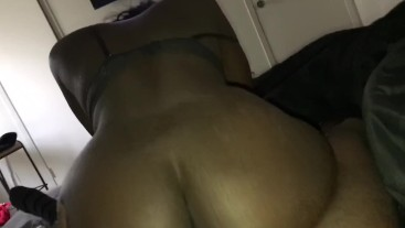 Thick bitch riding it from the back