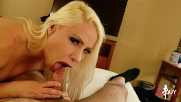 Dolce Vandela Blows A Fan And Gets Her Load
