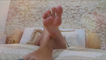 Ignored at my feet like the pathetic loser you are