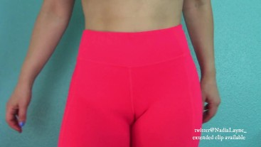 MILF Camel Toe in Yoga Pants