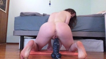 Girthy Cock Spreads My Cunt WIDE