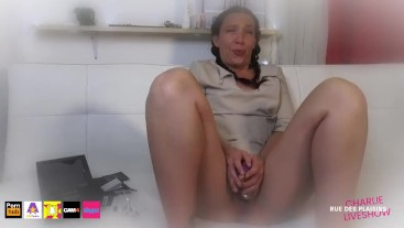 She masturbates to be on the verge of squirting! SONA 2