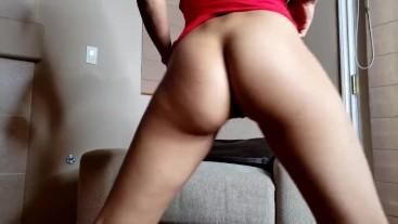 Asian Girl Twerk and Strip