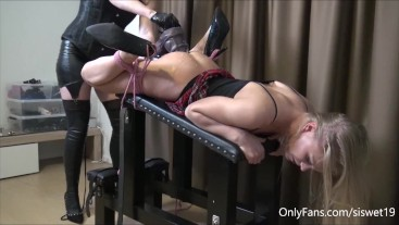 Extreme BDSM Session, wrecking the Hole