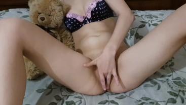 дрочит с медведем