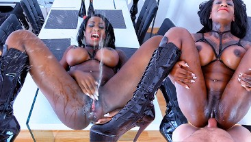 OMG I can´t stop squirting cause this big dick fucks me so hard |Josy Black