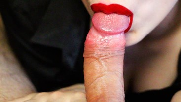 THE SECRETARY MADE A PASSIONATE BLOWJOB TO THE BOSS AND SUCKED ALL THE SPERM FROM HIM!