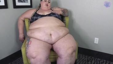 SSBBW Ivy Davenport Jumps, Jiggles, Shakes Supersized Fat Body