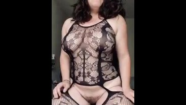 TEEN BABE NEEDS A REAL COCK TO CUM ON LIKE THIS