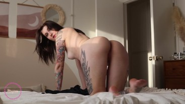 Booty Is In The Air Tonight - sexy striptease