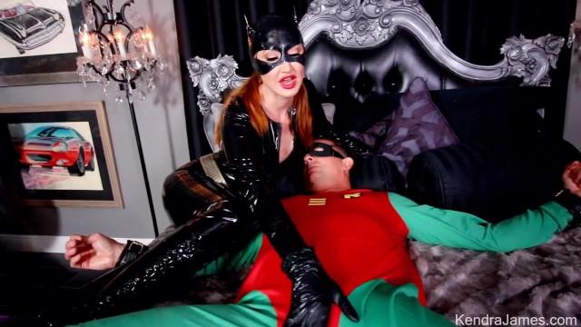 Catwoman Handjob