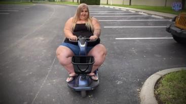 SSBBW Feedee Mobility Struggles