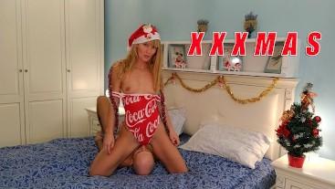 Coca-Cola Holidays are Coming. Merry XXX Christmas. Facesitting. Sloppy blowjob. Deepthroat. Saliva