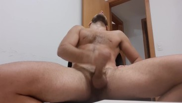 Brazilian hunk Garygoldenballs jerking his HARD uncut cock and dirty talking in PORTUGUESE