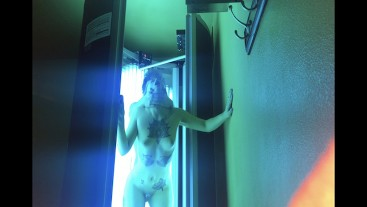 Horny After Gym - True Love Passionate Fuck in Public Tanning Bed