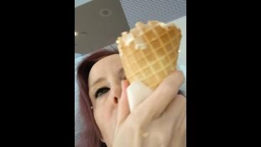 Ice cream licks