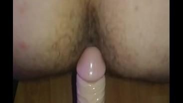 Sissy crossdresser stretch her hole to orgasm