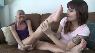 Raquel Worships Leilani's Feet