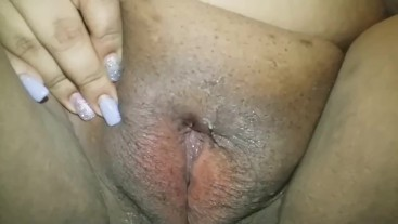 Bbw plays with her wett pussy while horny